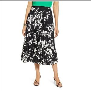 Halogen Pleated Midi Skirt Black Ivory Floral